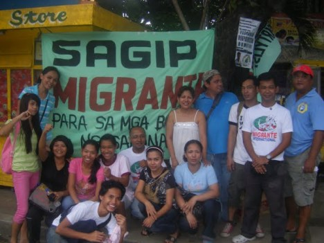 volunteers with barangay